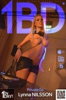 Lynna Nilsson - 8819p1 - Naked Came The Deejay