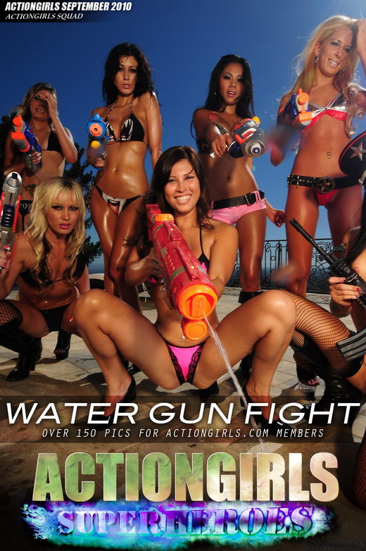 `Water Gun Battle` - for ACTIONGIRLS HEROES