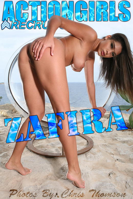 Zafira - `Bubbles` - by Chris Thomson for ACTIONGIRLS