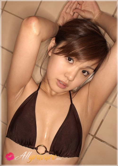Jyuri Takahashi - `Shower with Me` - for ALLGRAVURE