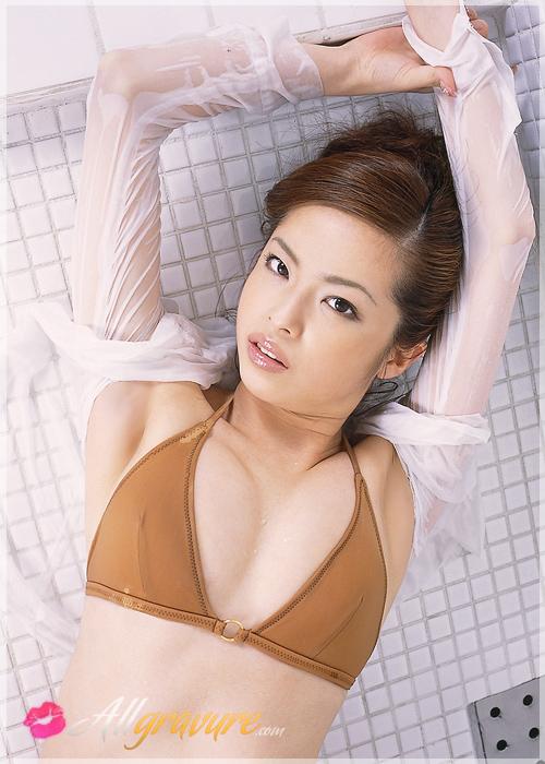 Maki Ogawa - `Office Show` - for ALLGRAVURE