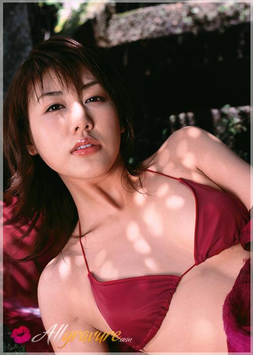 Yasu Megumi - `Yasu Petite` - for ALLGRAVURE