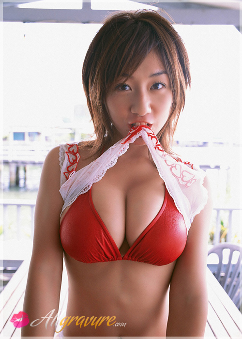Sayaka Tashiro - `Breast Snack 2` - for ALLGRAVURE