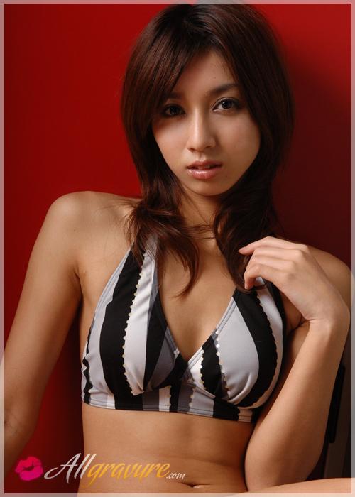 Reona Suzuki - `Mossin` - for ALLGRAVURE