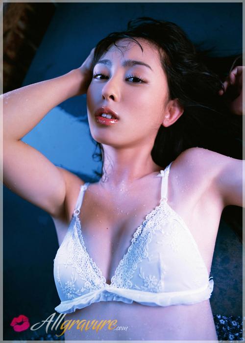 Rina Akiyama - `Rain` - for ALLGRAVURE
