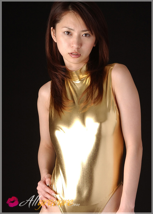 Yurina Sato - `Pretty in Gold` - for ALLGRAVURE