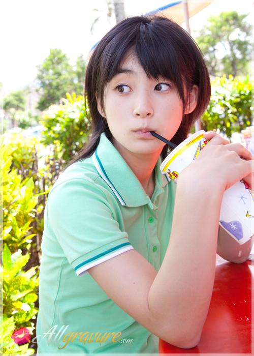 Momoko Tsugunaga - `Happy Heart` - for ALLGRAVURE