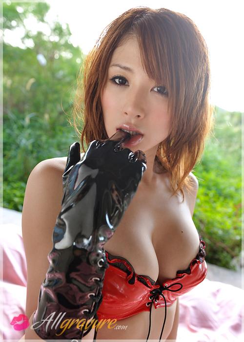 Yuu Tejima - `Glamarous Pink` - for ALLGRAVURE