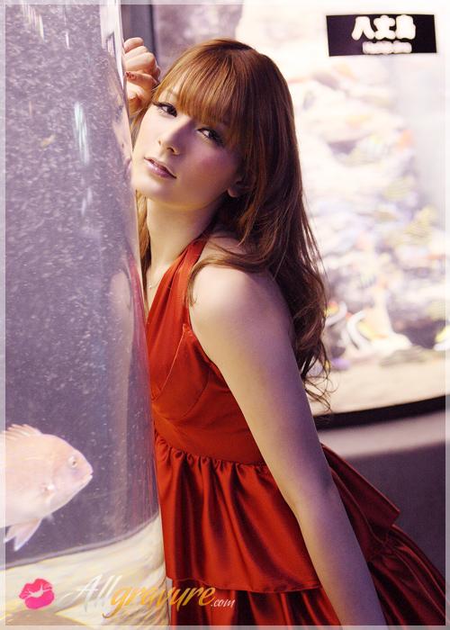 Suzanne - `Fashion Heart` - for ALLGRAVURE
