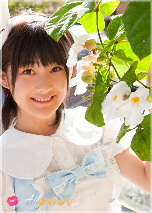 Momoko Tsugunaga - `Hitch Hike` - for ALLGRAVURE