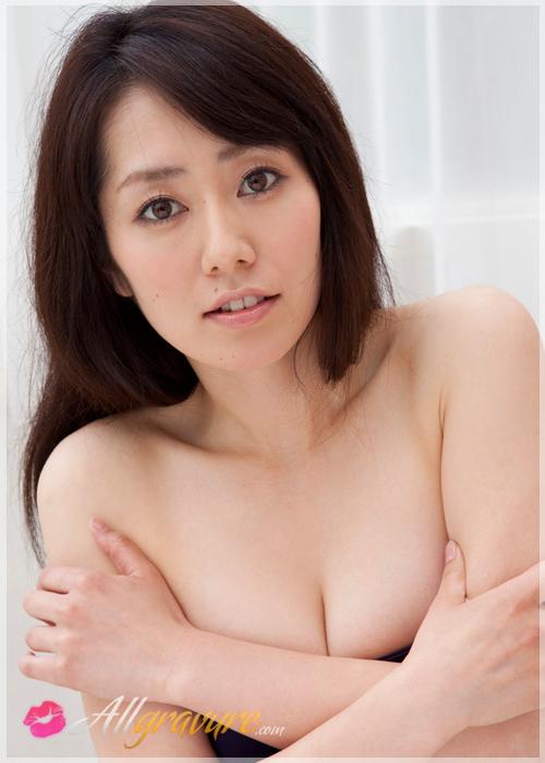 Momoko Tani - `Doorway` - for ALLGRAVURE
