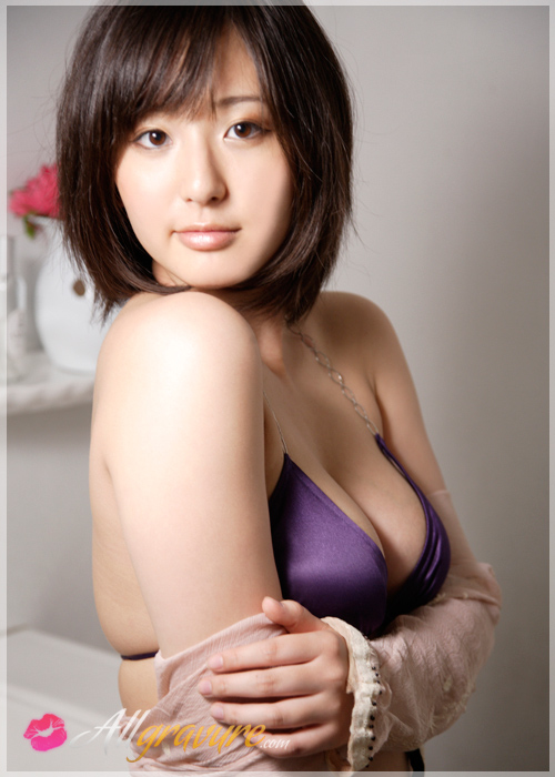 Yuri Murakami - `Moment of Summer 2` - for ALLGRAVURE