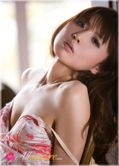 Aya Nakata - `Beat White` - for ALLGRAVURE