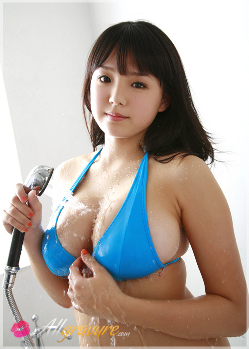 Ai Shinozaki - `Rose Leaves` - for ALLGRAVURE