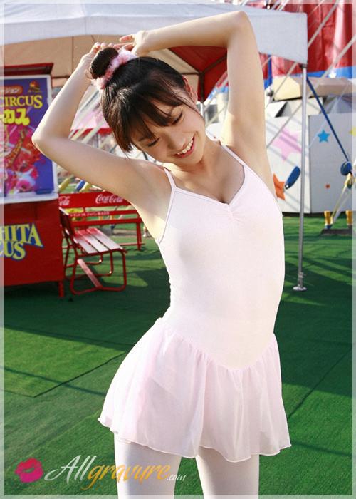 Yuko Oshima - `Star of the Show` - for ALLGRAVURE