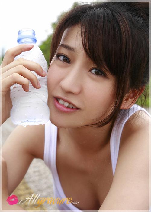 Yuko Oshima - `Hitchhiker` - for ALLGRAVURE