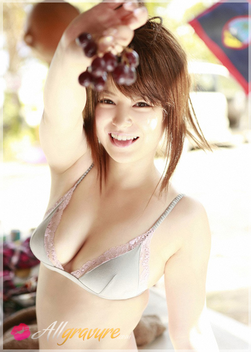 Airi Nakajima - `Fruit Rings` - for ALLGRAVURE