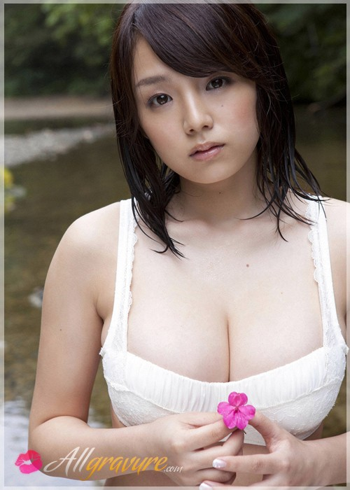 Ai Shinozaki - `Beautiful Display` - for ALLGRAVURE