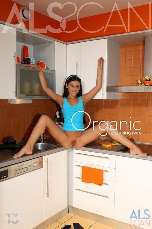 Iwia & Tess Lyndon - `Organic` - for ALS SCAN