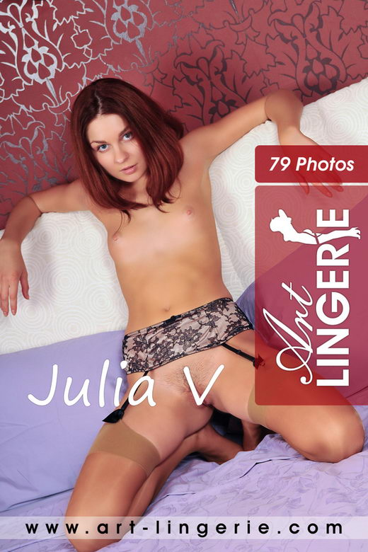 Julia V - for ART-LINGERIE