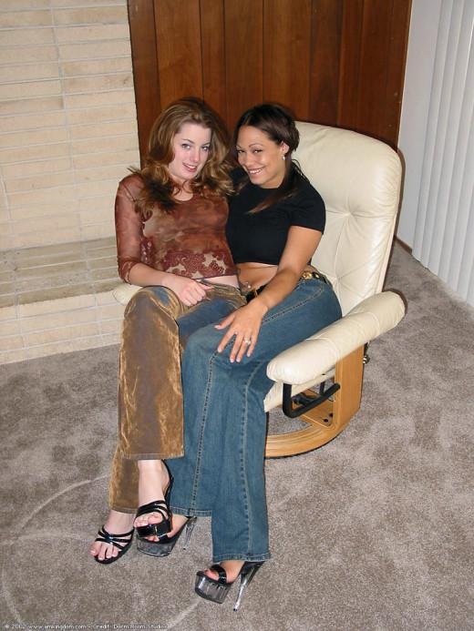Gloria & Jen in lesbian gallery from ATKARCHIVES