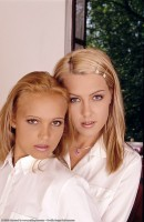 Andrea & Sofie Moone - lesbian