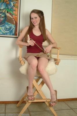 Nicole model nude Amanda