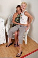 Ashlynn & Ashley Grace - lesbian