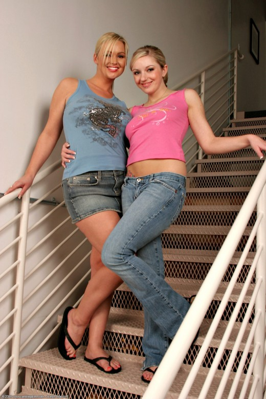 Public gangbang of Paris Gables, Kylee Reese and Holly Wellin № 984366 без смс