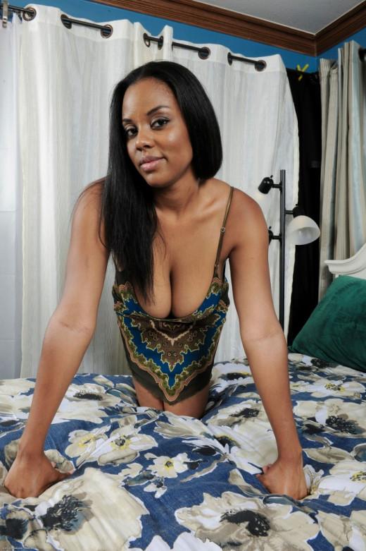 Black hottie Alia Starr receives cum on her boobs after fucking  1259775
