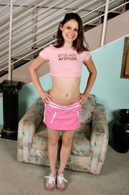 Kelsey Michaels Loves To War Mini Skirt And To Shows Her