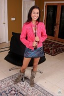 Amia Miley - solo