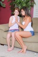 Aubrey Belle & Nina James - lesbian