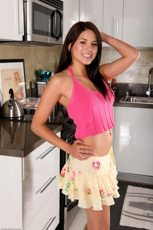 Shyla Jennings in amateur gallery from ATKPETITES