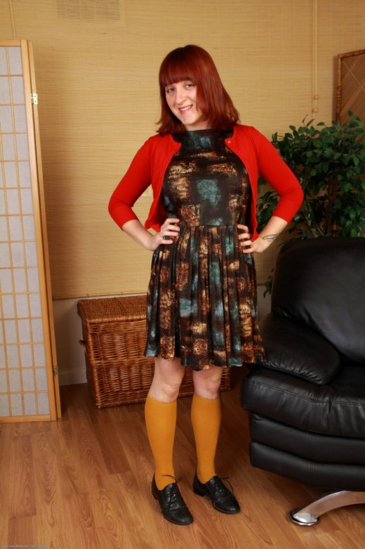 Velma in scary hairy gallery from ATKPETITES