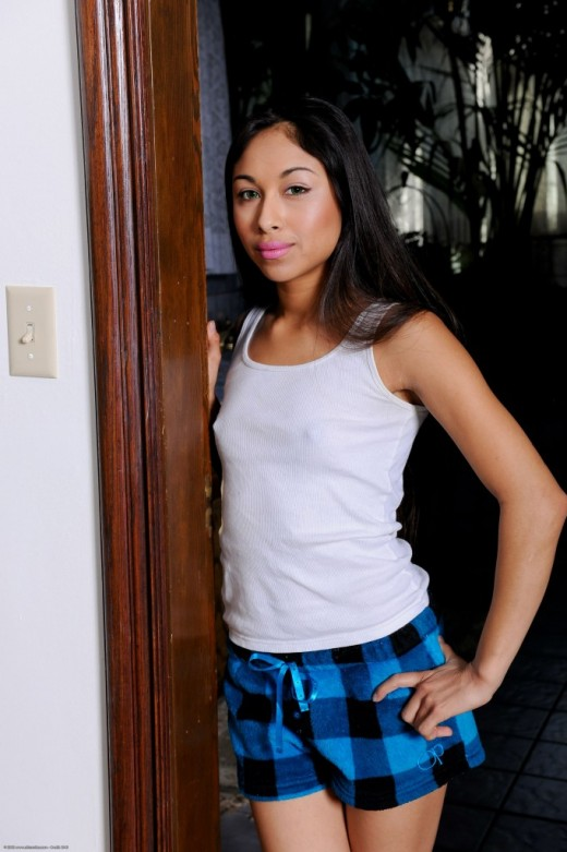 Cali Lee in latinas gallery from ATKPETITES