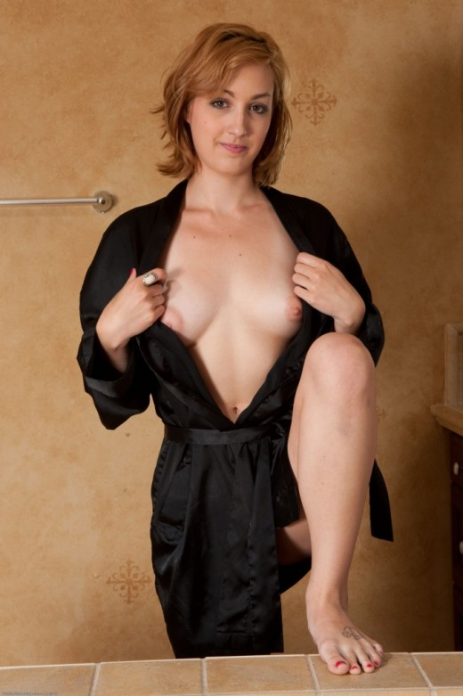 Mandii Ray in amateur gallery from ATKPETITES