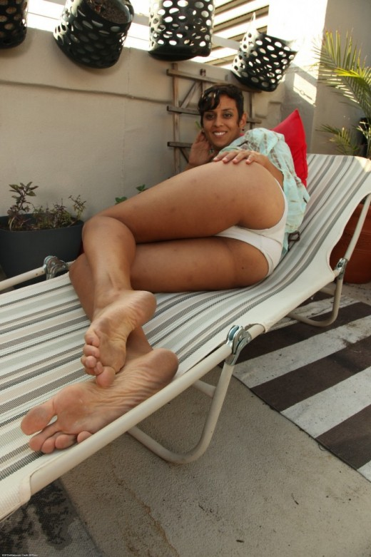 Sonya in exotic and hairy gallery from ATKPETITES