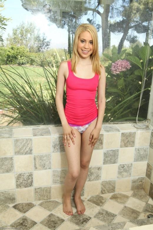 Skinny but hot teenager Latina Mae Olsen fucks in her anal hole  2031442