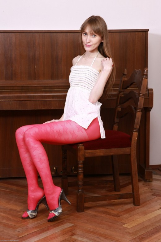 Vasilisa in scary hairy gallery from ATKPETITES