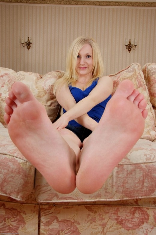 Sophie in footfetish gallery from ATKPETITES