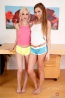 Piper Perri & Sydney Cole - lesbian