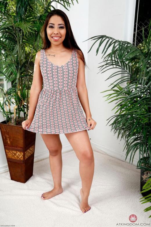 Nicole coco austin spread legs