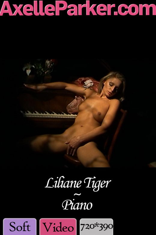 Liliane Tiger in Piano video from AXELLE PARKER