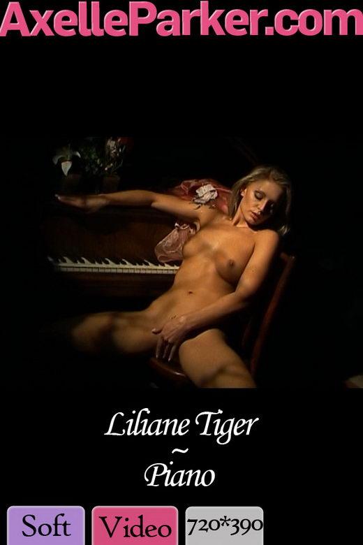 Liliane Tiger - `Piano` - for AXELLE PARKER