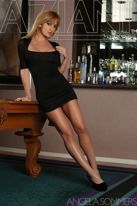 Incredible milf pornstar Angela Sommers is showing her asshole № 1145543 загрузить