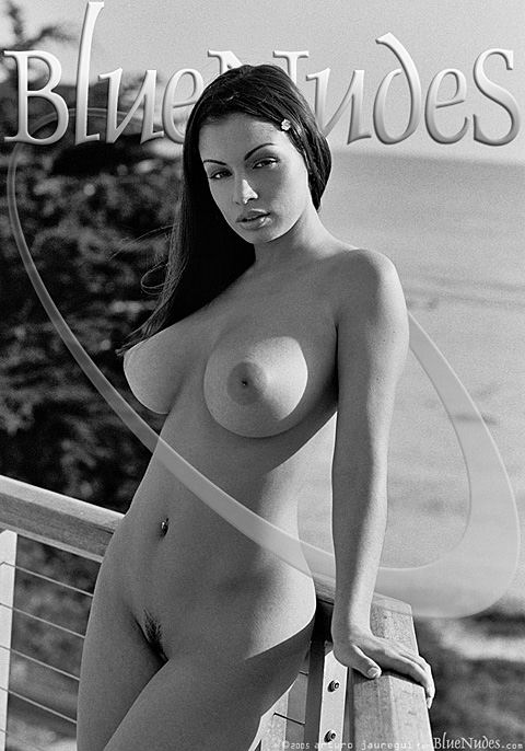 Aria Giovanni - `Santa Cruz` - by Arturo Jauregui for BLUENUDES