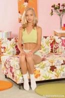 Julia B - Blondes 043