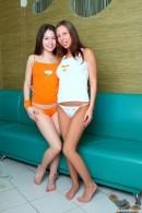 Lara F & Anna P - Yll 583