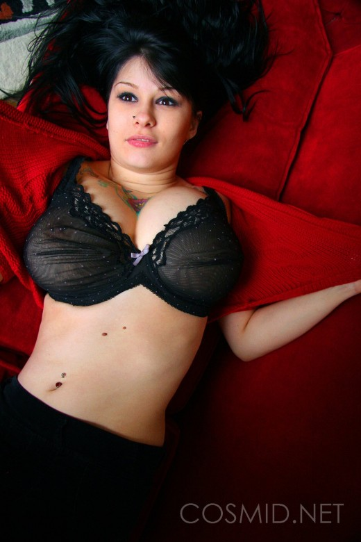 Cosmid Jennique On The Couch Camwhores 1
